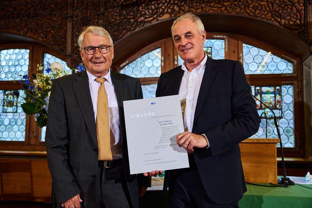 Prof. Dr. Jean Guinand, Presidente del Consiglio di fondazione, e Prof. Dr. Didier Pittet (Premiato 2021) (foto: Stefano Schröter)